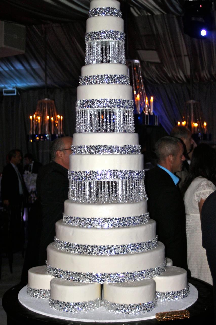 Embellishing Your Wedding Cake Bridal Blog