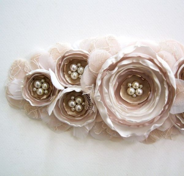 blush-and-beige-bridal-sash__full