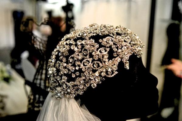 1-Malis-Henderson-sparkling-wedding-headpiece