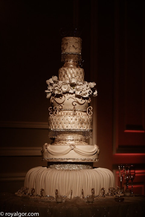 Jaw Dropping Wedding Cakes