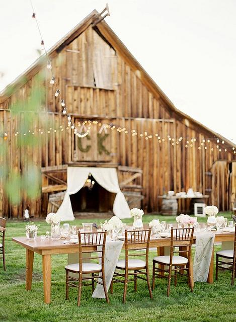 Country Wedding Via