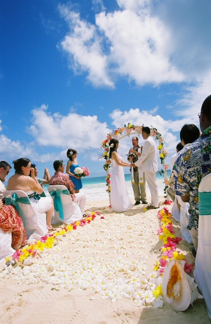 Hawaii%20beach%20wedding%20FL010033