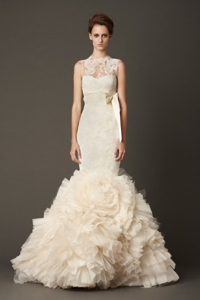 ivory-lark-vera-wang-dress_400