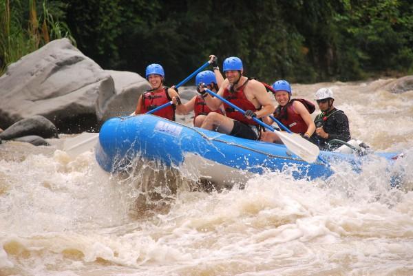 honeymoon-raft3