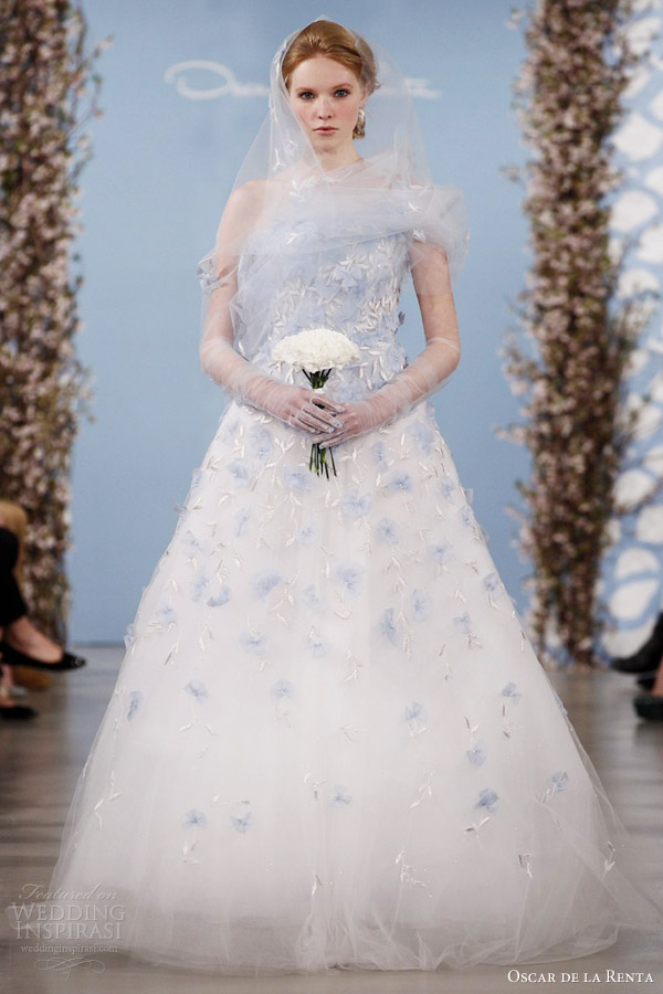 oscar-de-la-renta-bridal-2014-blue-color-tulle-wedding-dress