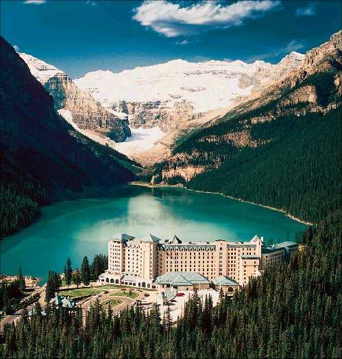 Top_10_Romantic_Honeymoon_Destinations_3_Fairmont_Chateau_Lake_Louise_Alberta_Canada_1