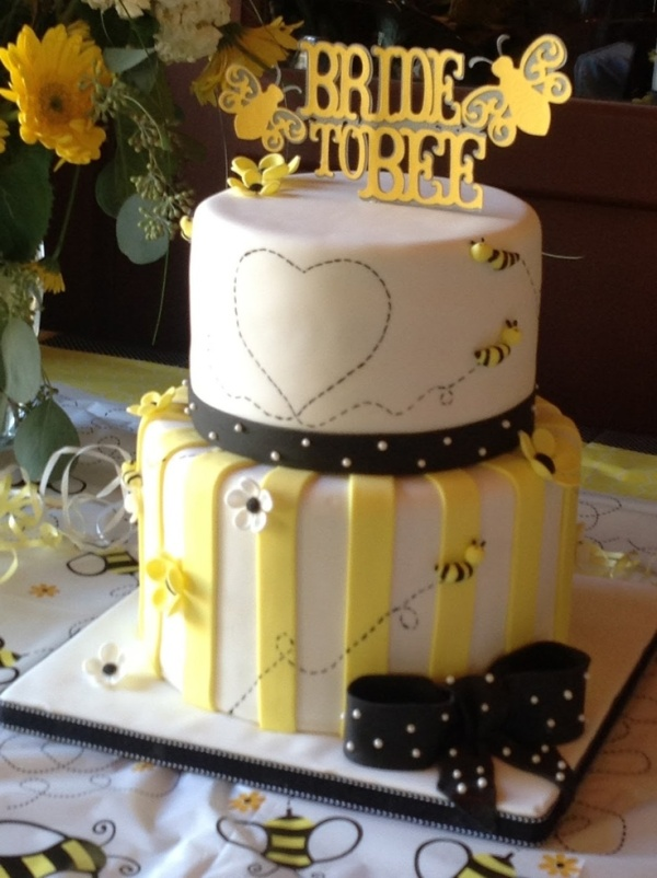 bridal shower cake 9