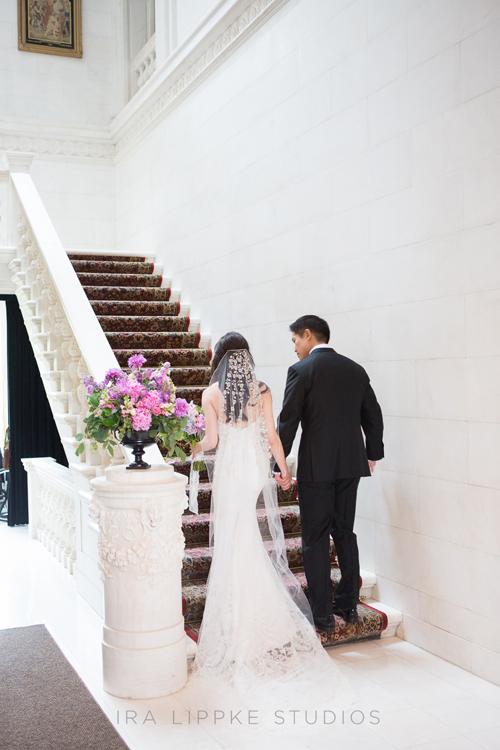 06gatsby-inspired-wedding-long-island-ira-lippke-studios-bride-groom-veil