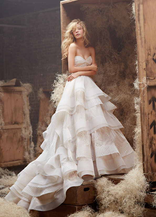 hayley-paige-bridal-english-net-geometric-natural-ball-gown-twist-sweetheart-horsehair-tiered-chapel-6400_zm