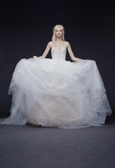 2014-10-15-verawangballgownweddingdresses09-thumb