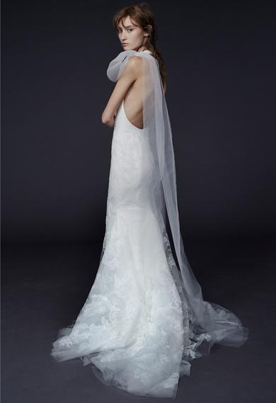 2014-10-15-verawanglaceappliqueweddingdresses10-thumb