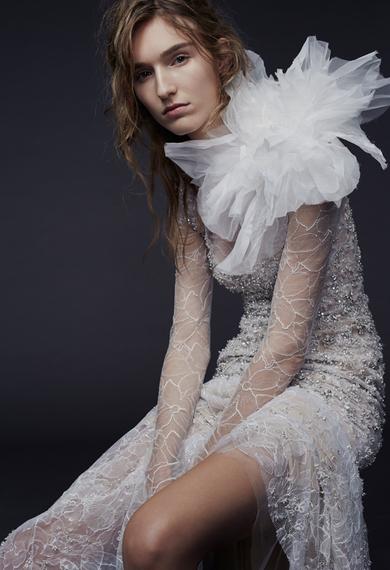 2014-10-15-verawanglongsleeveweddingdresses03-thumb